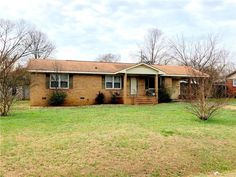New Listing!!! Great potential in this brick home!!!