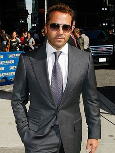 Jeremy Piven, a great actor! I first saw him as Ari Gold in my favourite tv series Entourage.