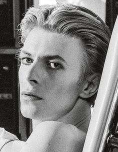 Our daily dose of David Bowie The Velvet Underground, Iggy Pop, Dangerous Minds, Ziggy Stardust, Davy Jones, The Script, Music Poster, David Bowie Poster, David Bowie Starman