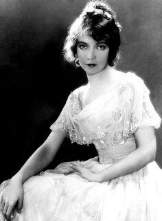 Lilian Gish, a silent film actress.