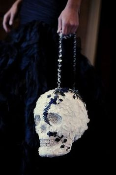 Who says skulls have to be spooky? The internet is filled with colorful gothic and Dia de los Muertos themed weddings with the glitziest skull wedding decor Skull Wedding, Gothic Wedding, Medieval Wedding, Wedding Bouquets, Wedding Flowers, Wedding Purse, Wedding Dresses, Bridesmaid Dresses, Our Wedding