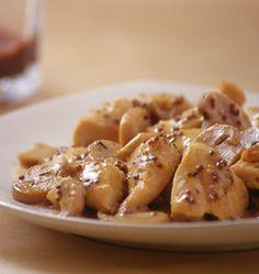 Photo de la recette : Poulet à la moutarde et aux champignons, sauce légère au yaourt