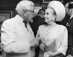 Colonel Sanders & Joan Crawford cooking up a Chicken n' Pepsi combo deal? Glamour Movie, Famous Duos, Colonel Sanders, Odd Couples, Joan Crawford, Tv Commercials, Vintage Hollywood, Classic Hollywood, Famous Faces