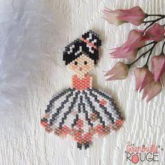 Peyote Patterns, Beading Patterns, Crochet Bedspread Pattern, Stitch Crochet, Peler Beads, Diy Perler Beads, Beaded Crafts, Peyote Beading, Beaded Jewelry Patterns