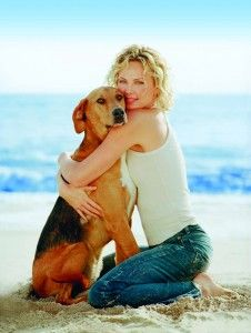 #CharlizeTheron is well known for her love of dogs, especially rescue dogs...and a very very good actress