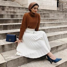 ZAFUL offers a wide selection of trendy fashion style women's clothing. Modest Fashion Hijab, Stylish Hijab, Skirt Fashion, Fashion Outfits, 80s Fashion, Fashion Tips, Islamic Fashion, Muslim Fashion, Modest Dresses