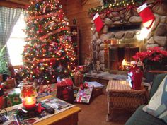 cozy living rooms for christmas | ... christmas, Decorating at Christmas in log home, Living Rooms Design