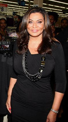 Tina Knowles, 60 looks good on her! Tina Knowles, Beyonce Knowles, Famous Celebrities, Celebs, Mature Women Fashion, Black Sisters, Ageless Beauty, My Black Is Beautiful, Black Artists