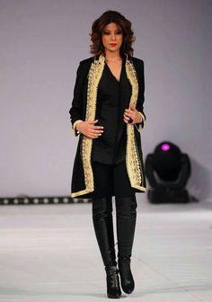 tenue orientale pantalon noir et or