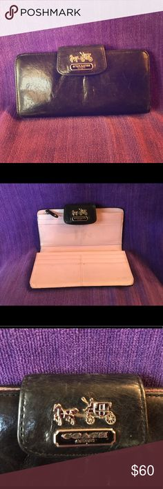COACH Bifold Envelope Wallet in Black & Pink COACH Bifold Envelope Wallet👠 GUC 👠Black & Pink & Silver👠Real Leather👠 Was my 1st Coach EVER👠 Gifted to me from reputable source.👠 Natural wear & some discoloration inside due to light pink leather.👠 Nonsmoker👠 NO TRADES OR PAYPAL! Coach Bags Wallets