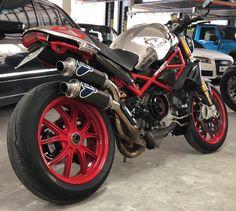 Ducati Monster, Monster Motorcycle, Custom Motorcycle Helmets, Women Motorcycle, Honda Motorcycles, Vintage Motorcycles, Cars And Motorcycles, Celebrity Weddings, Motorbikes