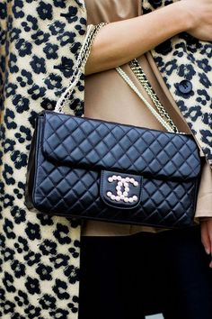 324a904d 798 Best Chanel Bags images in 2019 | Chanel, Bags, Fashion