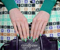Combina tu estilo con tu manicura en @coquelicotec. Encuéntra todos los tonos que neceistes para la combinación perfecta