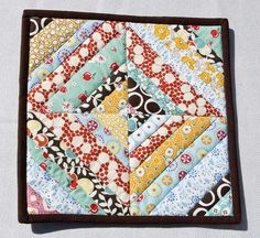 String Block Potholder by VeronicaMade, via Flickr