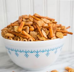 Classic Homemade Nuts and Bolts Recipe - The Kitchen Magpie Christmas Snacks, Christmas Brunch, Holiday Treats, Christmas Baking, Christmas Recipes, Holiday Baking, Christmas Goodies, Christmas 2017, Christmas Candy