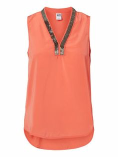 Cute coral coloured top from VERO MODA. Perfect for summer! #veromoda #pink #top #fashion #summer #coral