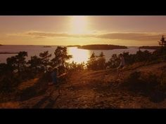 EL PARAISO Finland is the land of the Midnight Sun. Over two thirds of the world's people who experience this phenomenon live in Finland. Finnish Sauna, Midnight Sun, Archipelago, Best Cities, Helsinki, Where To Go, Parks, Places To Visit, World