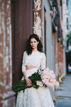 beautiful gown  / all pink roses/ bride <3