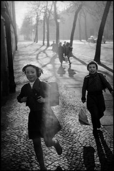 Photo by Leonard FREED - magnumphotos.com - #BwLovedByPascalRiben