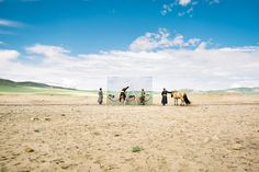 Stunning Exhibition Captures the Lifestyle that Mongolian Nomads Lost to Climate Change (PHOTOS)