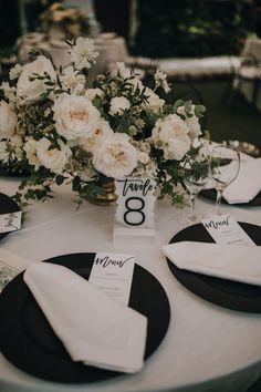 Black Charger Plates Crisp white on a black plate. Wedding Mood Board, Wedding Goals, Dream Wedding, Wedding Ideas, Wedding Details, Diy Wedding, Wedding Inspiration, Black Tablecloth Wedding, Wedding Plates