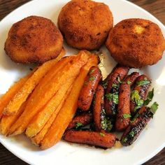 Junk Food Snacks, Sausage, Snack Recipes, Snack Mix Recipes, Appetizer Recipes, Sausages, Relish Recipes, Chinese Sausage
