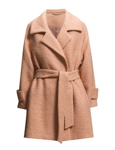 DAY - 2ND Roxie If you're looking for that in between coat, the one that will take you from summer to autumn and back, try this one from 2ND DAY. It has all the signs of a classic, with large lapels and a self-tie belt. The pale peach colour is the extra bit, bringing soft femininity to any outfit. Wear it closed and tied or open, with our geometric print skirt underneath. Or sex it up with our high-high leather boots.  Concealed button closure Textured fabric Collar and lapel