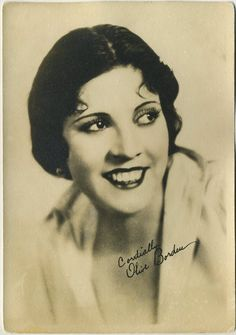 Olive Borden -Stomach Ailment- 41 years old Vintage Hollywood, Hollywood Glamour, In Hollywood, Black White Photos, Black And White, Dark Lips, Grave Memorials, Silent Film, Vintage Girls