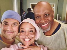 """166.9 k mentions J'aime, 254 commentaires - Grey's Anatomy Official (@greysabc) sur Instagram: """"#GreysAnatomy #bts❤ 📸: @therealdebbieallen"""""""