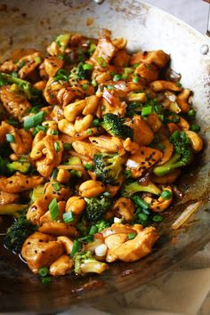 Cashew Chicken - This popular take-out dish is recreated at home using with easy. CLICK Image for full details Cashew Chicken - This popular take-out dish is recreated at home using with easy and delicious recipe! Diet Recipes, Cooking Recipes, Healthy Recipes, Cooking Tips, Easy Recipes, Recipies, Cashew Chicken Recipes, Chicken Stirfry Recipes, Thai Food Recipes