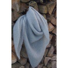 Knit triangular cloth - as light and soft as a cloud, the cloth Sky - Stricken , Dreieckstuch stricken - so leicht und weich wie eine Wolke, das Tuch Sky Triangular scarf knit very simply and beautifully Knitting :: Triangle Shawl . Poncho Knitting Patterns, Knitted Poncho, Easy Knitting, Knitted Shawls, Knitting Socks, Crochet Patterns, Scarf Knit, Diy Accessoires, Knit Dishcloth