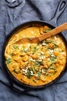 Ultra creamy and delicious Thai inspired butternut squash red curry that is creamy, spicy, rich, and comforting! The sweet butternut squash pairs beautifully with all the red curry spices. Veggie Recipes, Indian Food Recipes, Asian Recipes, Dinner Recipes, Cooking Recipes, Healthy Recipes, Thai Recipes, Dinner Ideas, Easy Recipes