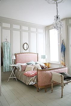french bedroom---- Love the pale grey and pale pinks here. So pretty! i can just imagine my guest room like this (in my DREAM HOME) Dream Bedroom, Home Bedroom, Bedroom Decor, Calm Bedroom, Pale Pink Bedrooms, French Bedrooms, Headboard Designs, Headboard Ideas, Pink Headboard