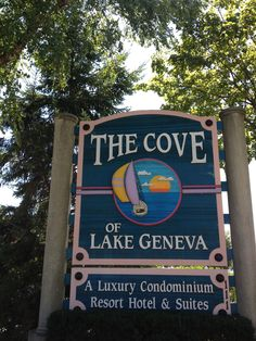 Cove of Lake Geneva, Wisconsin hotel . Downtown geneva