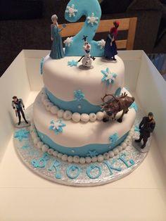 Frozen birthday cake Kokos Cupcakes, Frozen Birthday Cake, Desserts, Food, Tailgate Desserts, Deserts, Meals, Dessert, Yemek