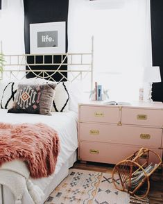 Great Teen Girls Bedroom Interior Design Ideas and Color Scheme plus flooring and Bedding and Decor Pink Bedrooms, Girls Bedroom, Bedroom Decor, Bedroom Ideas, Budget Bedroom, Bedroom Designs, Bedroom Styles, Bedroom Furniture, Pink Master Bedroom