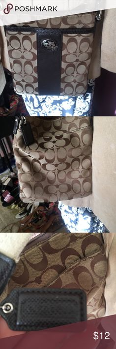 Coach purse Slightly worn and needs cleaning coach purse Coach Bags Crossbody Bags