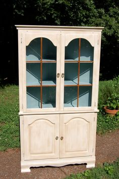 Hey, I found this really awesome Etsy listing at https://www.etsy.com/listing/155152863/solid-wood-painted-corner-hutch