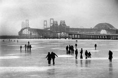 Annapolis photo from Bob Disharoon of the frozen bay. Those are the Chesapeake bay bridges in the back ground. Annapolis, MD Z Chesapeake Bay Bridge, Mid Atlantic States, Delmarva Peninsula, Bay Boats, Baltimore Maryland, Annapolis Maryland, Ocean City, Old Photos, Big Freeze