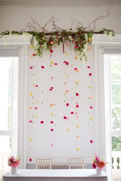 Hanging flower backdrop: http://www.stylemepretty.com/2015/04/08/whimsical-colorful-london-gallery-wedding/ | Photography: Caught the Light - http://caughtthelight.com/