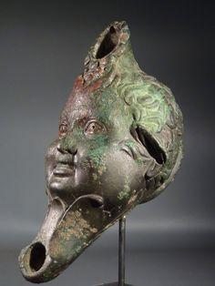 Just looks funky. Roman Artifacts, Historical Artifacts, Ancient Artifacts, Ancient Rome, Ancient History, Sculpture Art, Sculptures, Greek Art, Ancient Civilizations