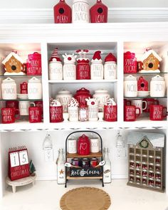 Bar Tray, Hot Chocolate Bars, Christmas Time Is Here, Christmas Decorations, Holiday Decor, Wonderful Time, Peppermint, Gingerbread, Merry