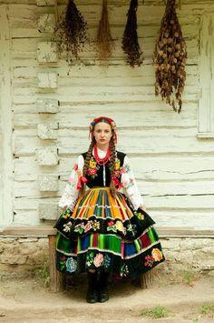 Poland Ukraine, Polish Clothing, Polish Folk Art, Costumes Around The World, Folk Dance, Folk Fashion, Folk Costume, Historical Clothing, World Cultures