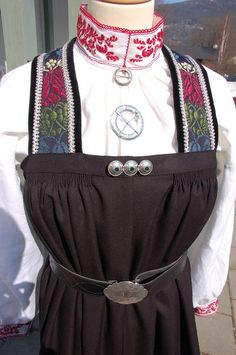 Hallingbunad, Bunadmester Vibekes Hjønnevåg, Gamle Nes, Nesbyen i Hallingdal, Buskerud Folk Costume, Costumes, Going Out Of Business, Folklore, Traditional Outfits, Norway, Scandinavian, Clothes, Fashion