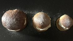 Saftiga grötbullar med kross | söndagsfika.se Fika, Food And Drink, Cookies, Chocolate, Desserts, Instagram, Tailgate Desserts, Biscuits, Deserts