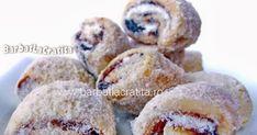 Cornulete fragede care ti se topesc in gura (pe baza de bors) umplute cu gem. Muffin, Breakfast, Food, Morning Coffee, Essen, Muffins, Meals, Cupcakes, Yemek