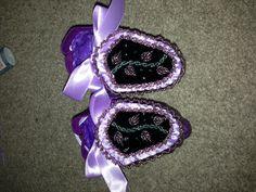 Baby girl haudenosaunee moccasins - rope stitch & raised beadwork.