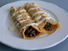 Mushrooms stuffed Crepes and Cheese Sauce  / Frixuelos Salados o Creps rellenos de Setas con Salsa Cabrales