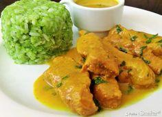 Indyk w sosie curry z ryżem brokułowym - Przepis - Smaker.pl