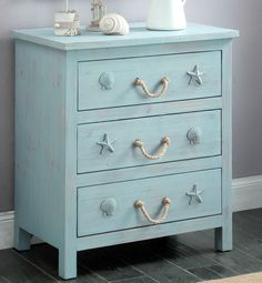 Rustic Dresser Designed for a Beach Enthusiast. Just a picture. No tutorial posted* Rustic dresser for a beach lover. Only a picture. No tutorial posted * Coastal Bedrooms, Coastal Living Rooms, Small Bedrooms, Beach Cottage Bedrooms, Coastal Living Magazine, Coastal Curtains, Coastal Bedding, Modern Bedrooms, Condo Living